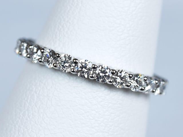 ダイヤモンド 合計1.0ct前後 Pt950 400,000円~500,000円(税込)
