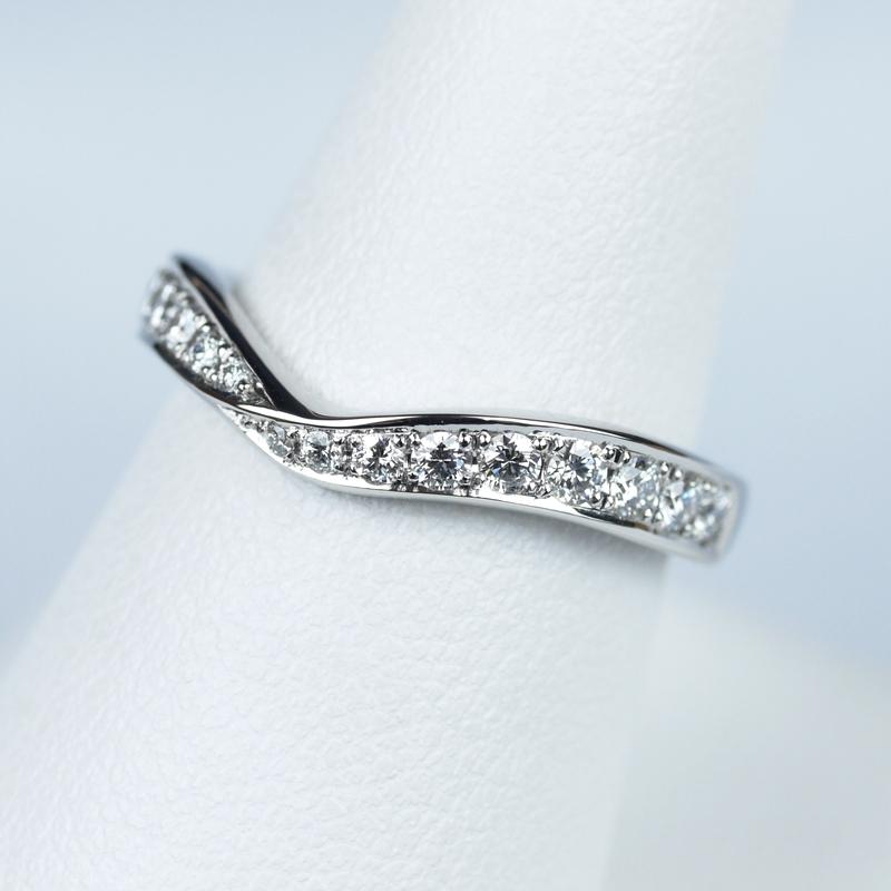 結婚指輪No5 ダイヤモンド 0.28ct プラチナ V デザイン