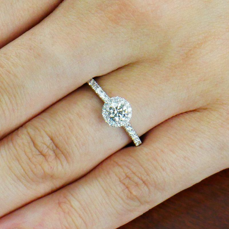 婚約指輪 Halo 0.30ct プラチナ