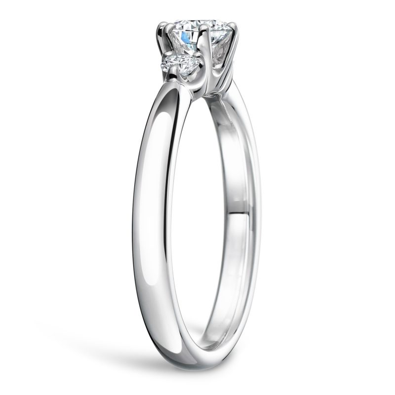 婚約指輪 Trilogy 0.30ctダイヤモンド プラチナ
