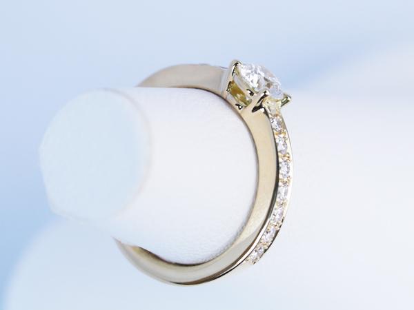 婚約指輪 ゴールド 0.3カラット