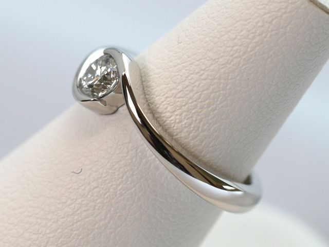 0.33ctのダイヤモンド、新しいオーダーメイドの婚約指輪