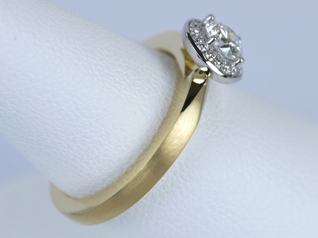 婚約指輪 ゴールド
