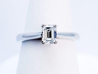 """""""0.559ct""""エメラルドカットダイヤの婚約指輪"""