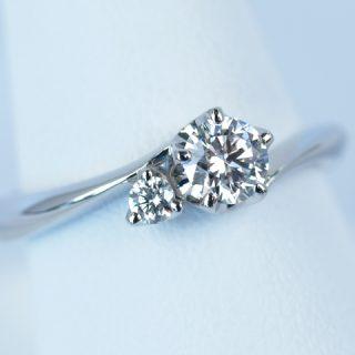 オーダーメイドの婚約指輪 立て爪