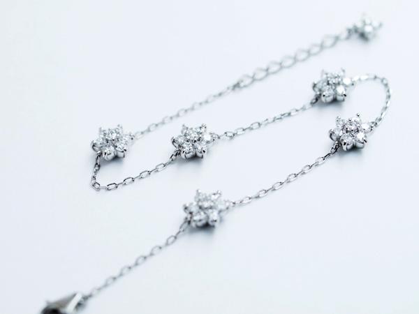 ダイヤモンドブレスレッド