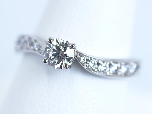 石川県金沢市のT様 婚約指輪リーフ