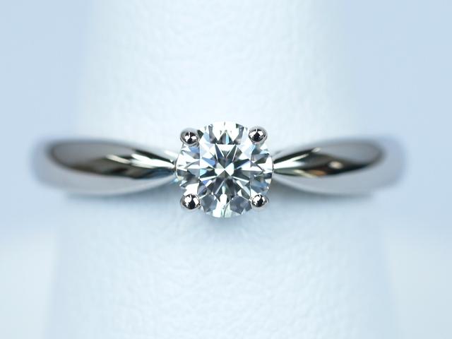 神奈川県横浜市のT様 婚約指輪バタフライをご購入