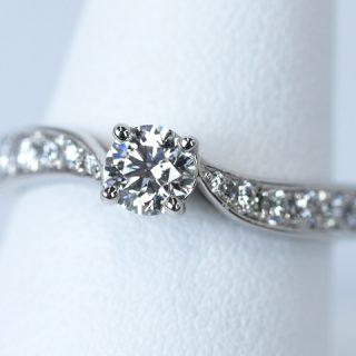 オーダーメイドの婚約指輪 ダイヤモンド