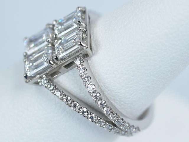 エメラルドカット 結婚指輪