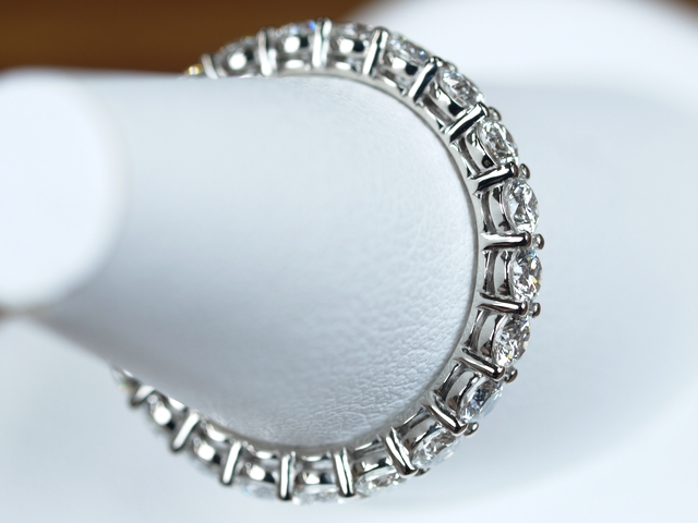 フルエタニティリング 婚約指輪