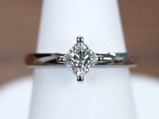 プリンセスカットの婚約指輪。栃木県宇都宮市のA様からのご注文