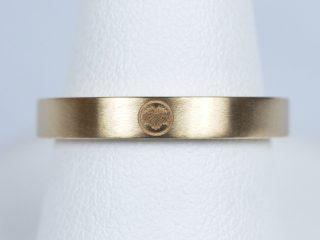 家紋の刻印を入れた結婚指輪 鍛造(たんぞう)