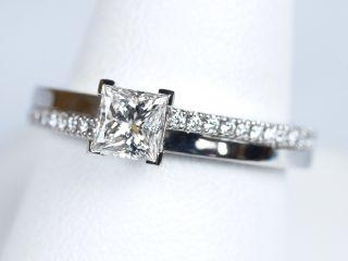 プリンセスカットの婚約指輪 0.51カラット F VVS2