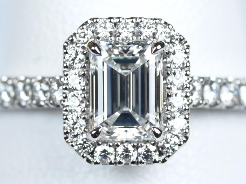 エメラルドカット ダイヤ 婚約指輪