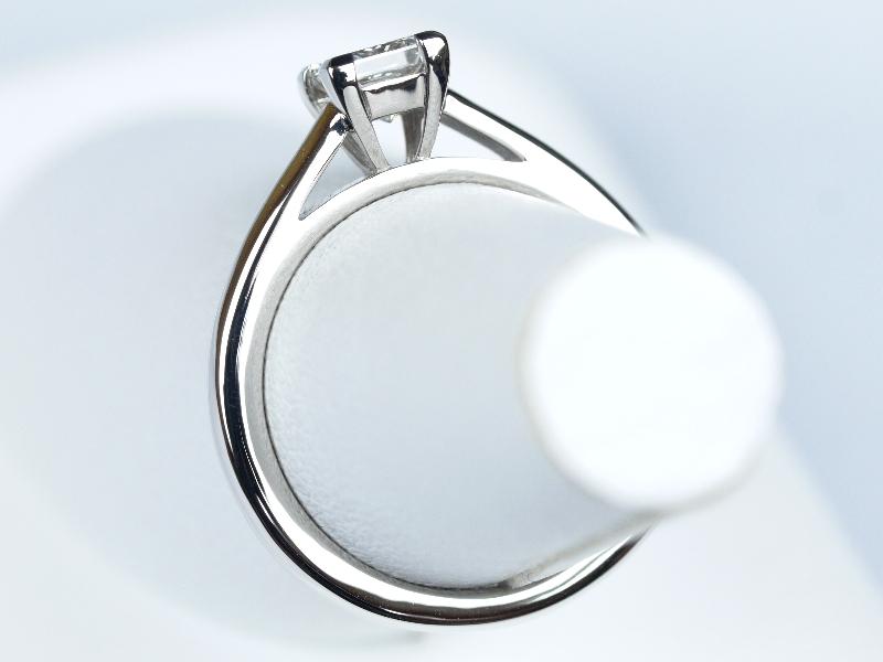 プリンセスカット 婚約指輪 DE BEERS(デビアス)