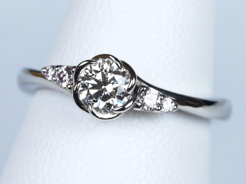 ピンクダイヤモンド 婚約指輪