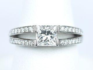 プリンセスカット 0.7カラットの結婚指輪
