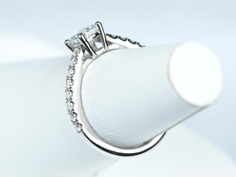 クッションカット 婚約指輪 ティファニー