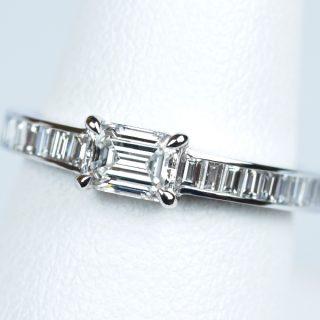婚約指輪 エメラルドカット 0.38カラット ダイヤモンド