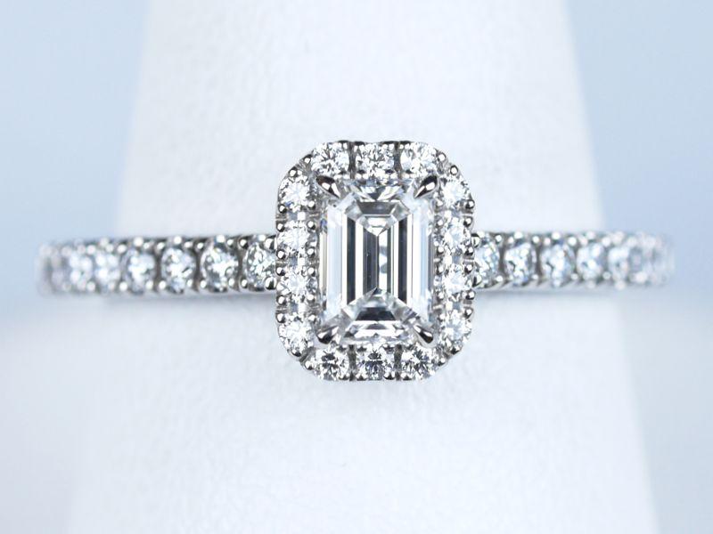 長野県 エメラルドカット 婚約指輪