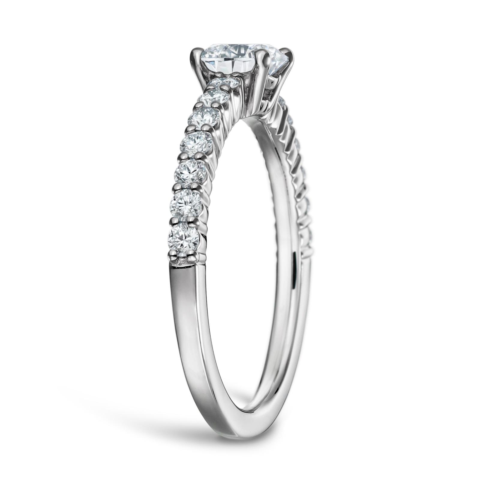 婚約指輪 人気 ダイヤモンド 0.5カラット