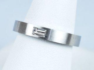 結婚指輪 0.12カラッダイヤモンドのバケットカット