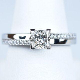 プリンセスカット 【0.51ct F VVS2】の婚約指輪