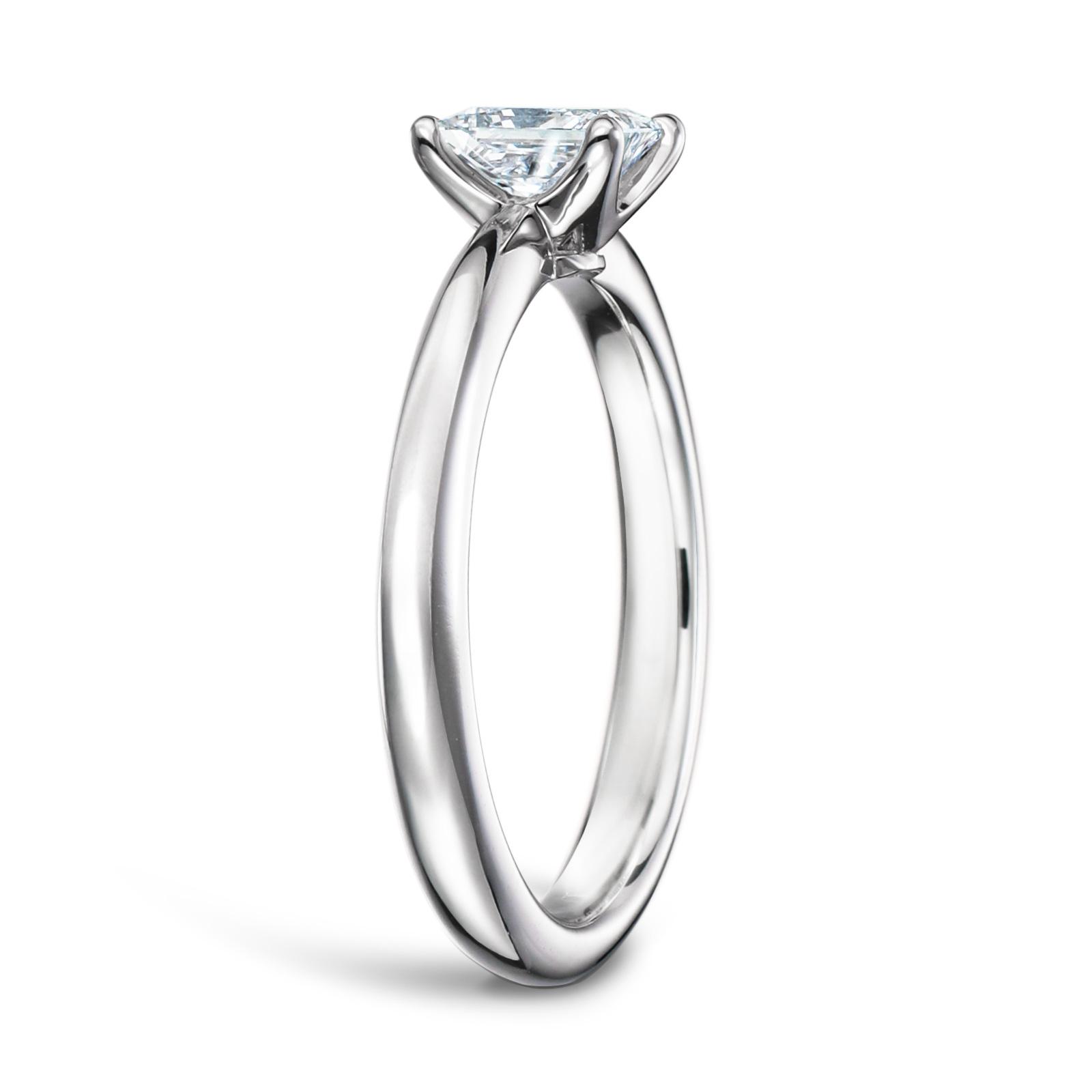 ティファニー 婚約指輪 プリンセスカット