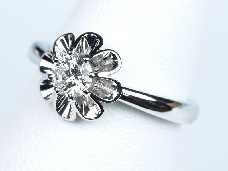 菊爪 リング 婚約指輪