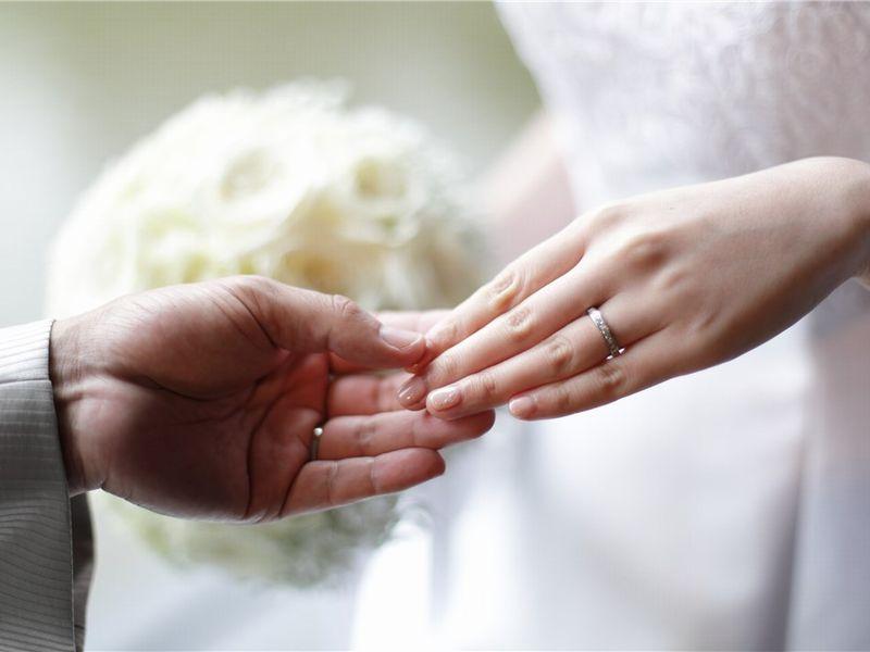 東京都 プリンセスカット エタニティリング 結婚指輪