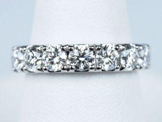 1.31カラット ダイヤモンドを使ったハーフエタニティリング