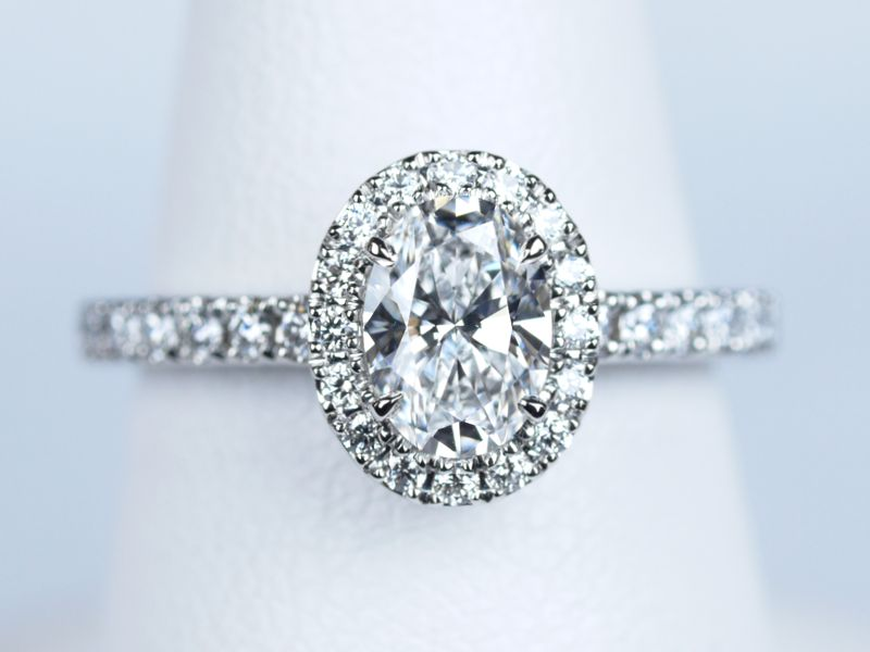 オーバルカット 婚約指輪