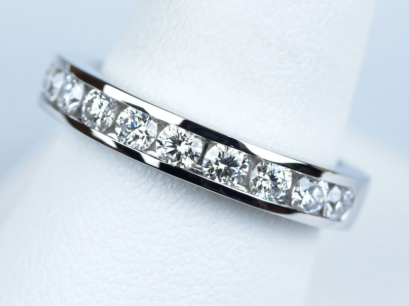プリンセスカット 結婚指輪 エタニティリング