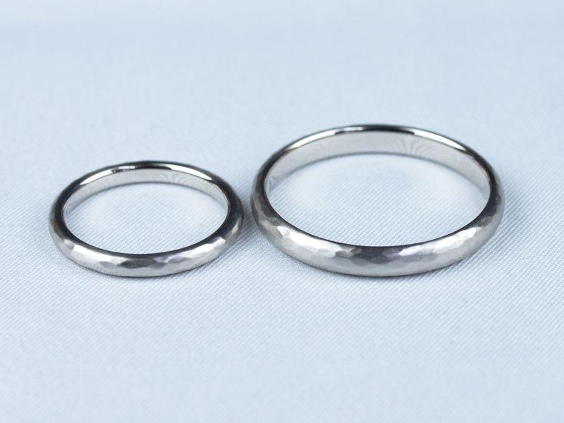 甲丸 結婚指輪 Pt900 鍛造 ハンマー仕上げ 槌目