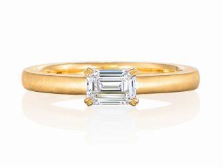エメラルドカット 0.45カラットダイヤモンド 婚約指輪 重ね付けに最適 ゴールド