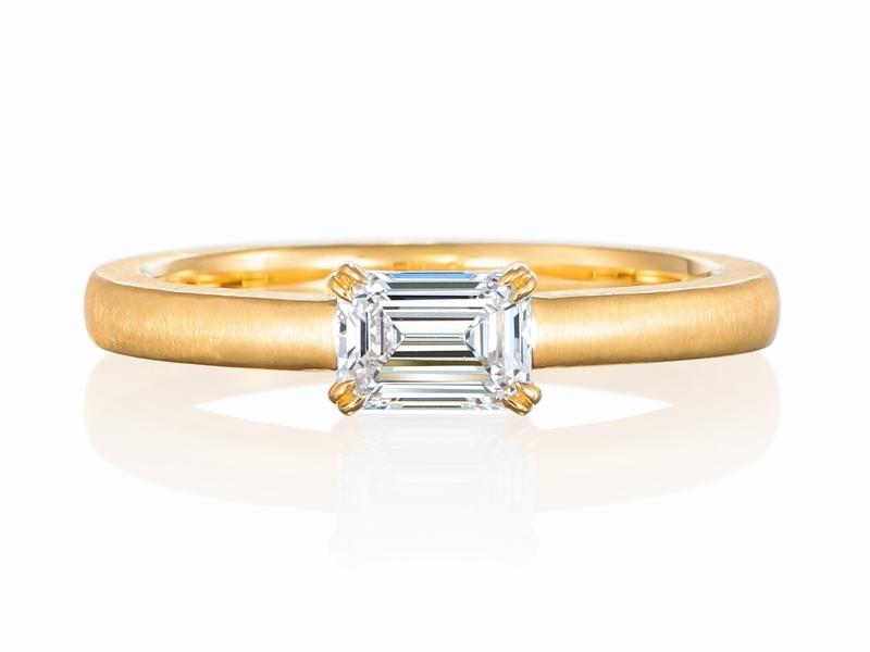エメラルドカット 0.45カラット 婚約指輪