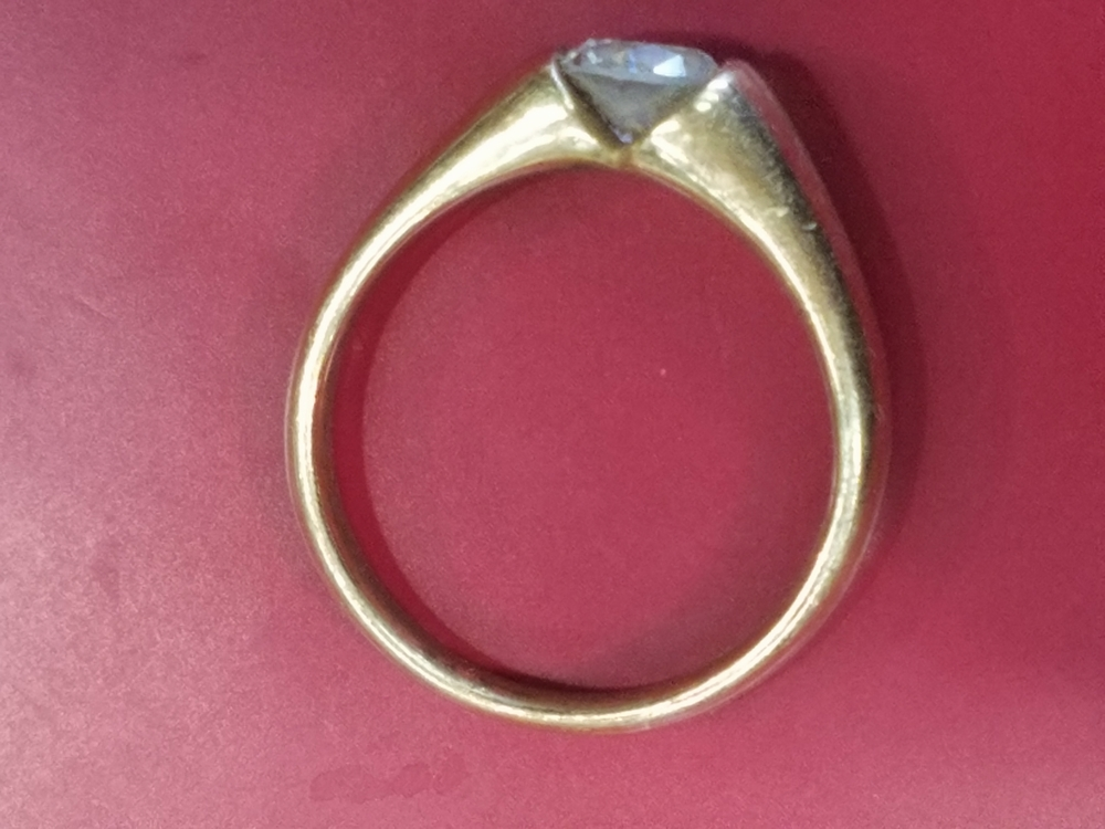 ソリティア 立て爪なし 0.5カラット 指輪