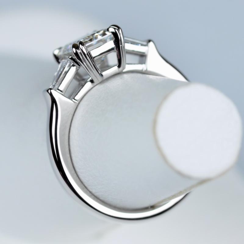 エメラルドカット 1カラット フローレス 指輪