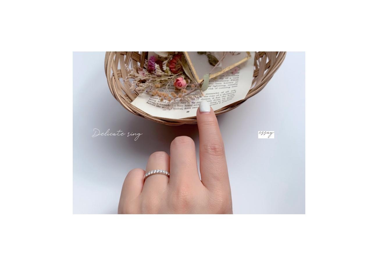 華奢な指輪