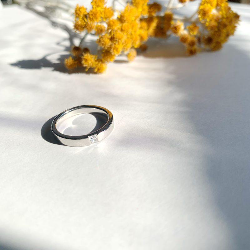 プリンセスカット 結婚指輪 0.08ct プラチナ