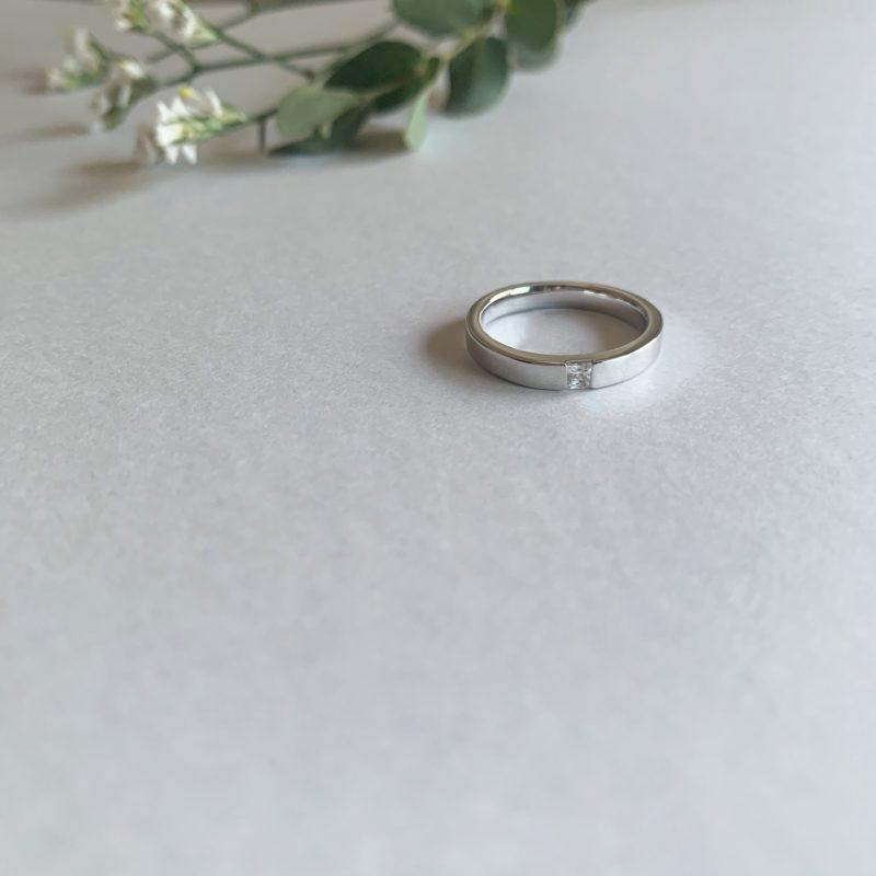 プリンセスカット 結婚指輪 0.08ct プラチナ(幅2.8mm / Pt950)