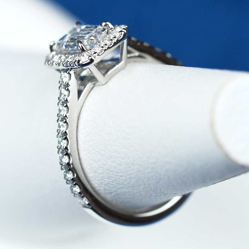 オーダーメイド 婚約指輪 エメラルドカット