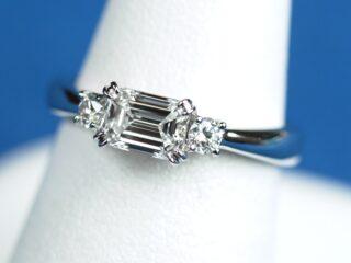 定年退職のお祝いのエメラルドカット【0.56ct E VVS1】の指輪